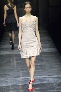 Stella McCartney Fall 2005 Ready-to-Wear Fashion Show - Lily Donaldson