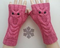 Fingerless Gloves Knitted, Knit Mittens, Knitted Shawls, Baby Knitting Patterns, Hand Knitting, Lace Gloves, Arm Warmers, Crochet Projects, Winter