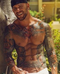 Muscles and tattoos.a winning combination Hot Guys Tattoos, Sexy Tattoos, Beard Tattoo, I Tattoo, Tattoo Guys, Hot Men, Sexy Men, Sexy Guys, Tatted Men