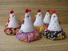 Galinha Sachê-Cravo. Only try w crochet, pincushion.