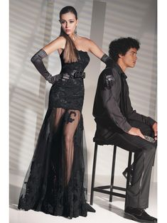 2013 Dramatic A-line Strapless Appliqued Floor Length Sexy Black Lace Prom Dresses