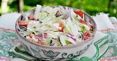 A salátákkal minden finomabb! A húsos ételek is ínycsiklandóbbak válnak ezektől a finomságoktól! Káposztasaláta Készítsünk belőle egy nagy, 5 literes üveggel, mert két napig úgyis…
