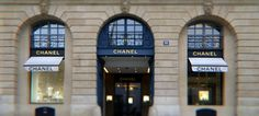 The watches and fine jewelry CHANEL Boutique, 18 place Vendôme in Paris
