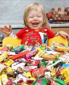 Today i have won the Jackpot of Candies and Chocolates. Cute Baby Pictures, Best Funny Pictures, Top Funny, Funny Posts, Kids Spiderman Costume, Funny Accidents, Parenting Fail, Fun Comics, Funny People