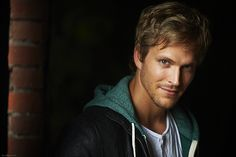 Jon Cor has been cast as Hodge Starkweather, the weapons trainer at the #Shadowhunters New York Institute and a former Circle member.