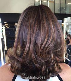 New Hair Cuts Layers Ideas Colour 20 Ideas Mom Hairstyles, Pretty Hairstyles, Medium Hair Styles, Short Hair Styles, Medium Layered Hair, Layered Haircuts, Trendy Haircuts, Great Hair, Hair Hacks