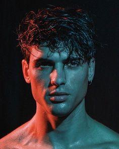 Male Model Face, Male Face, Studio Portrait Photography, Photography Poses For Men, Mens Photoshoot Poses, Beautiful Men Faces, Foto Instagram, Creative Portraits, Boys