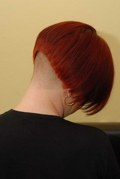 Girls Short Haircuts, Short Girls, Short Hair Cuts, Short Hair Styles, Bob With Fringe, Shaved Nape, Bob Braids, Louise Brooks, Bowl Cut