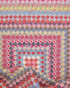 A Liberty of London Trip Around the World Quilt (Red Pepper Quilts) Liberty Quilt, Liberty Fabric, Liberty Of London Fabric, Granny Square Quilt, Hexagon Quilt, Granny Squares, Postage Stamp Quilt, Scrappy Quilts, Quilting