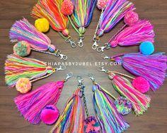 pom pom and tassels keychain BIG size / colorful bag charm / boho handmade pom poms / hippie fashion complements / llavero pompom Pom Pom Crafts, Yarn Crafts, Diy And Crafts, Crafts For Kids, Arts And Crafts, Tassel Keychain, Diy Accessories, Diy Gifts, Craft Projects