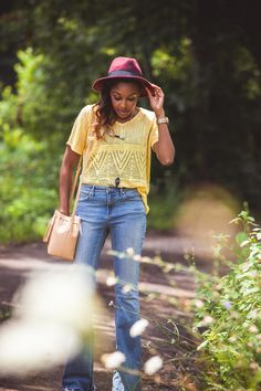 SoloHope | Live Love and Read | summer to fall style, flare jeans outfit