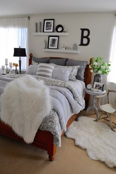 Restyling 1 comforter bed set 10 different ways! This beautiful grey comforter set makes it easy to mix and match other patterns and textures. Sponsored by HomeGoods. Dream Bedroom, Home Bedroom, Master Bedroom, Bedroom Decor, Master Suite, Bedroom Shelves, Bedding Decor, Bedroom Ideas, Grey Comforter Sets