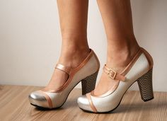 Chie Mihara pumps. Have the sneaking suspicion I've already repinned these. No matter! CHIE!
