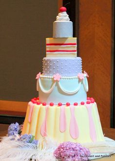 very pretty dessert cake!