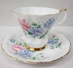 Royal Albert Bone China England Friendship Series Sweet Pea
