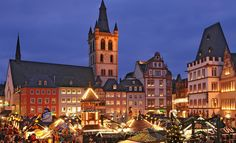 Trier Christmas Market - Full Christmas Market Travel Guide with details of dates, opening times, information and colour pictures - Trier located in the German federal state of Rhineland-Palatinate Christmas Markets Germany, German Christmas Markets, Christmas Markets Europe, The Beautiful Country, Beautiful Places, Lights Before Christmas, Cities In Germany, Visit Germany, Travel And Tourism