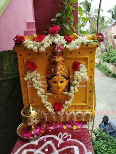 Tulsi Diwali Decorations, Festival Decorations, Balloon Decorations, Flower Decorations, Room Decorations, Tulasi Plant, Cleaning Car Upholstery, Ganapati Decoration, Pooja Mandir