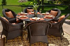 Lochmoor Wicker/Cast Aluminum Dining Set