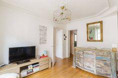 Ganhe uma noite no Arty flat in Bastille District - Apartamentos para Alugar em Paris no Airbnb!