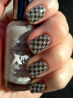 Sally Hansen Hard As Nails Xtreme Wear in Wet Cement with Mash-47 in WnW Black Creme