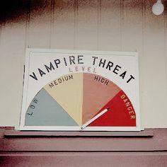 Every day is Halloween My Babysitter's A Vampire, Buffy The Vampire Slayer, Dracula, Vampires, Angel Demon, Sakuma Rei, Creepy, Buffy Summers, Brooke Summers