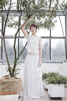 Moons-Bridal-Boho-Wedding-Dress