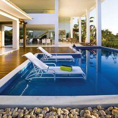 Pastilhas para piscina. A Versato tem tudo para deixar seu lazer ainda mais luxuoso e exclusivo.  #tudonaversato