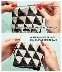 Discover thousands of images about Bolso de mano en crochet estilo wayuu clutch by VientosurSantander Crochet Doily Rug, Bag Crochet, Crochet Clutch, Crochet Handbags, Tapestry Crochet, Tunisian Crochet, Crochet Purses, Love Crochet, Beautiful Crochet