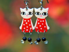 Red cat earrings with polka dots by #CinkyLinky