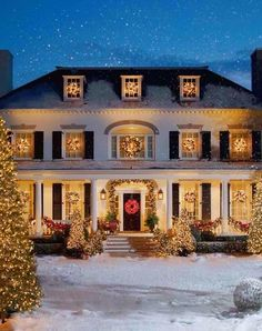 Home Channel TV: Lovely Exterior Christmas Lights