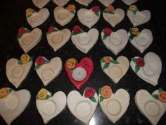 Prezent 3 Crafts With Pictures, Valentine Heart, Diy For Kids, Techno, Grandparents, Hearts, Children, Grandmothers, Techno Music