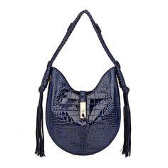 9b0ba0769 Las 27 mejores imágenes de Fendi   Beige tote bags, Fashion handbags ...