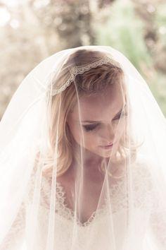 Spitze Juliet Bridal Cap Hochzeitsschleier, Alencon Spitze Strass Jakobsmuschel, Fingertip, Walzer, Kapelle, Kathedrale, Stil: Dolly #1205 auf Etsy, 219,25€