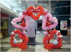 Valentines Balloons, Valentines Diy, Happy Valentines Day, Balloon Display, Balloon Arch, Balloon Crafts, Balloon Decorations, Balloon Arrangements, Heart Balloons