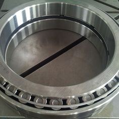 Mainly includes outer, inner ring, rolling elements can be given meaning bearing. http://www.lysn-bearing.com/double-row-tapered-roller-bearing/double-row-tapered-roller-bearing.html