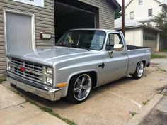 87 Chevy p/u custom Chevy Pickup Trucks, Classic Chevy Trucks, Chevy Pickups, Chevrolet Trucks, Chevrolet Silverado, Lowered Trucks, C10 Trucks, Sport Truck, Roadster