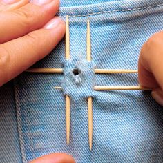 Repair clothes with embroidery Hand Embroidery Art, Basic Embroidery Stitches, Hand Embroidery Videos, Flower Embroidery Designs, Sewing Stitches, Sewing Patterns, French Knot Embroidery, Sewing Tutorials, Sewing Hacks
