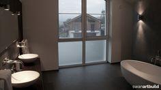 www.artbuild.nl Vrijstaand woonhuis Mondsee Oostenrijk. Interieur modern badkamer