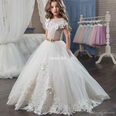 Ball Gown Lace Flower Girls Dresses For Weddings Short Sleeve Children First Communion Dress Sweep Train Tulle Pageant Gown - Cheap online shopping Girls First Communion Dresses, Holy Communion Dresses, Première Communion, Girls Pageant Dresses, Pageant Gowns, Ball Dresses, Ball Gowns, Homecoming Dresses, Evening Dresses