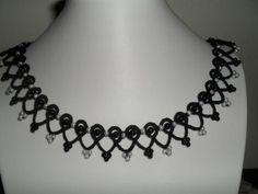 Collier noir en dentelle frivolite style gothique, romantique