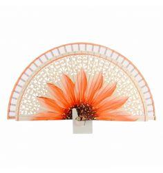 Abanico madera calada blanca flor naranja Vintage Fans, Hair Ornaments, Beautiful Hands, Hand Fans, Alonso, Fancy, Orange, Cool Stuff, Antiques