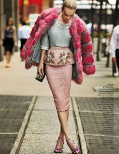 fab minus the fur! Lindsay Ellingson Takes it to the Streets for Elle Italia December 2013