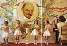 Soviet union children ( life in USSR ) Art Puns, Bolshevik Revolution, Back In The Ussr, Soviet Union, New Girl, Natural History, Old Photos, Childhood Memories, Photography
