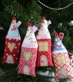 Cute Christmas houses from Scandinavian Stitches