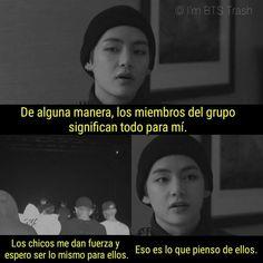 Son una familia preciosa. Bts Drawings, Bts Quotes, Bts Group, Bts Boys, Bts Memes, Taehyung, Jimin, Messages, Sad Quotes
