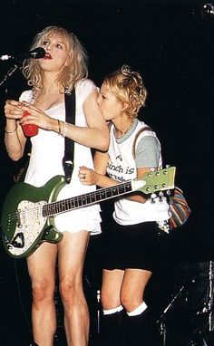 Courtney Love and Drew Barrymore...I want Drew's outfit.