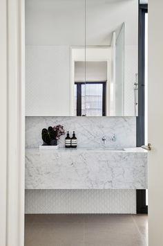 Queens Park - Local Bathroom Sink Design - Madeleine Blanchfield Architects - Interior Archive 13 - The Local Project Interior Exterior, Bathroom Interior Design, Home Interior, Beautiful Bathrooms, Modern Bathroom, Small Bathroom, Bathroom Niche, Brown Bathroom, Marble Bathrooms