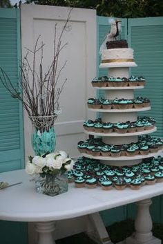 nice idea for cupcake arrangement