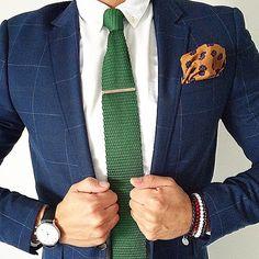 Love this combination  #theitaliancode #italianstyle #sprezza #sprezzatura #sartorial #madeinitaly #menwithclass #menwithstyle #mensfashion #fashionformen #fashionoftheday #instafashion #ootd #menspost #menwardrobe #mensclothing #menwithstreetstyle #streetstyle #styleiswhat #dapper #dapperman #dapperlydone #classy #classyman #elegance #details #summerfashion