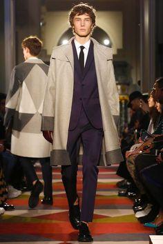 Valentino-menswear-fall-winter-2015-16-collection-paris-mens-fashion-week-glamour-boys-inc++002.jpg (800×1200)